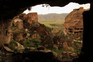 Hasankeyf cave houses 1
