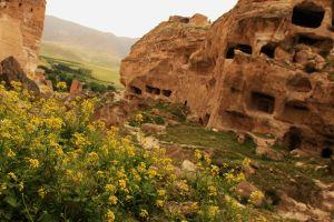 Hasankeyf cave houses 2