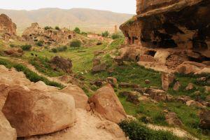 Hasankeyf cave houses 3