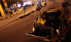 Malaysian rickshaw driver: more difficult life than mine, better sleep.