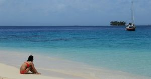 San Blas beach, Caribbean blue water