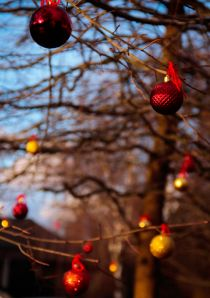 Christmas tree ornaments outside 01