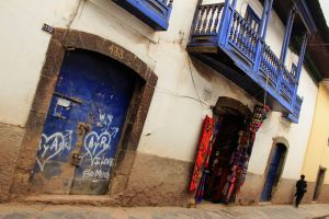 Cuzco street, backpacking