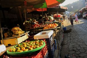 backpacking travel in El Salvador, Ataco market
