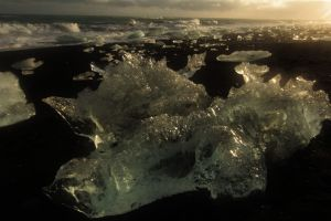 Iceland travel photos, ice beach below the glacial lagoon