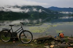 Nepal travel backpacking Pokhara Lake