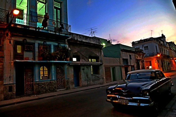 Havana evening car and balcony alt