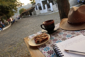 Coffee, postre, and a journal in El Salvador