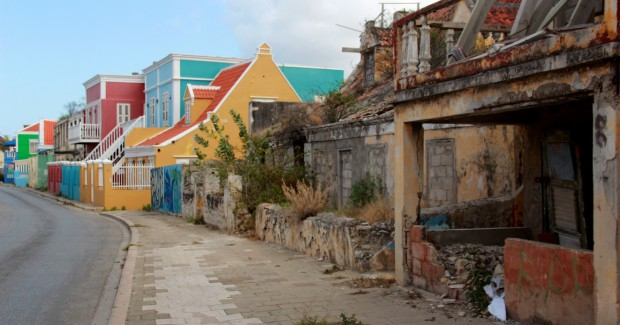 Not a lot of income equality in Curacao...