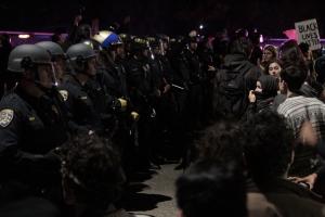 Oakland protest 01 Interstate 580