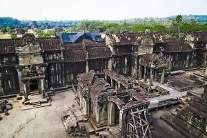 Angkor Wat 8485 vivid