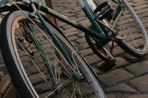 Ze Germans, zey are riding zheir bizycles so fast! Not zis vun in Munchen, zough, it is zleeping.