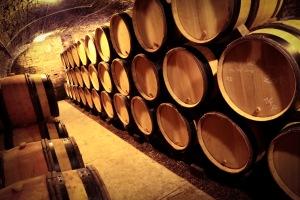 Burgundy wine cellar 4783