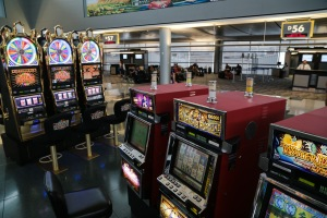 Vegas airport slot machines