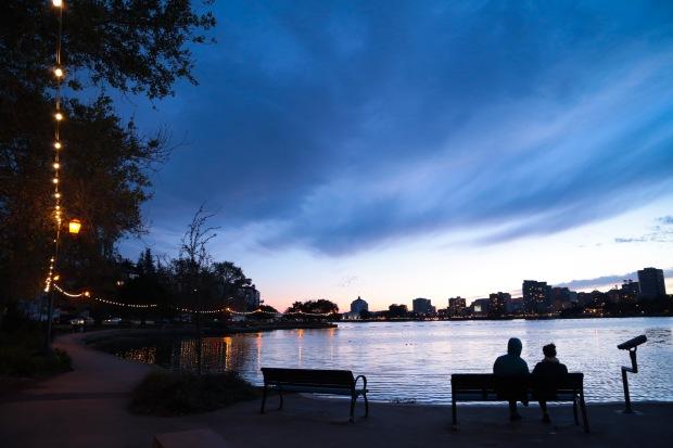 Oakland Lake Merritt at dusk