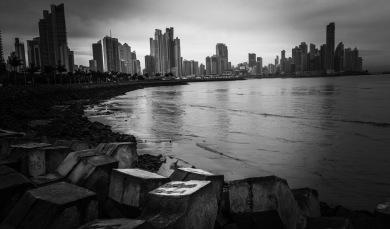 Panama City skyline dark2