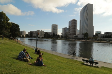 sitting-my-lake-merritt