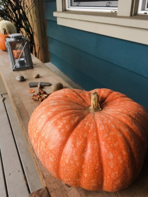 pumpkin-porch-greetings