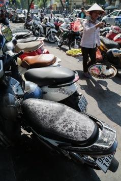 hanoi-sidewalk