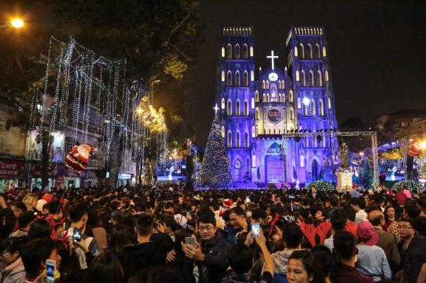 Vietnam Hanoi St Joseph's Cathedral Christmas Eve