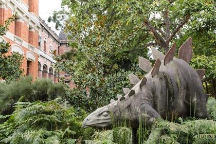 Paris, France, stegasaurus, dinosaur,